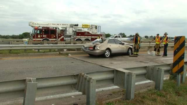 Child Ejected From Car Onto Highway 169 In Tulsa Wreck
