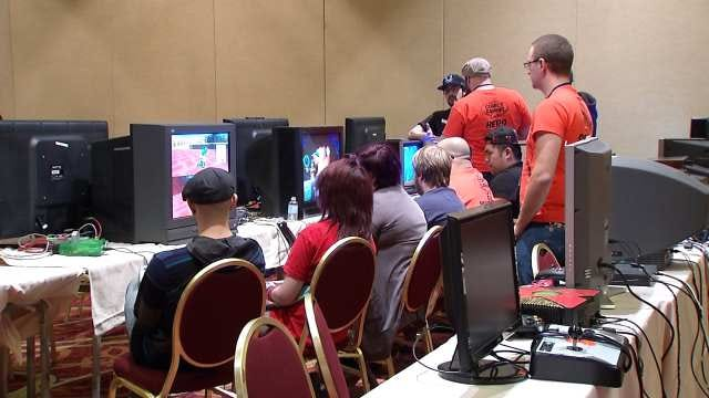 First Ever Green Country Comics And Gaming Convention Held In Tulsa