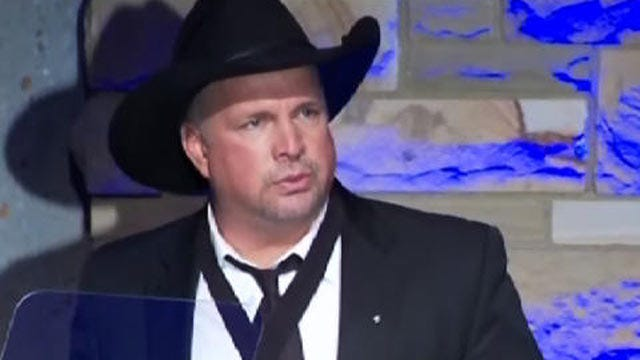 Garth Brooks To Perform Live On CBS In November