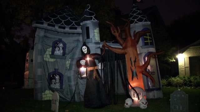 Tulsa Homeowner's Halloween Display Is A Must See