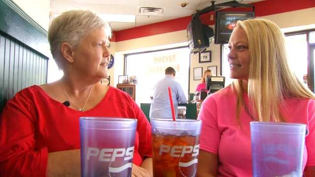 A Perfect Match: Tulsa Waitress, Customer Doing Well After Kidney Transplant