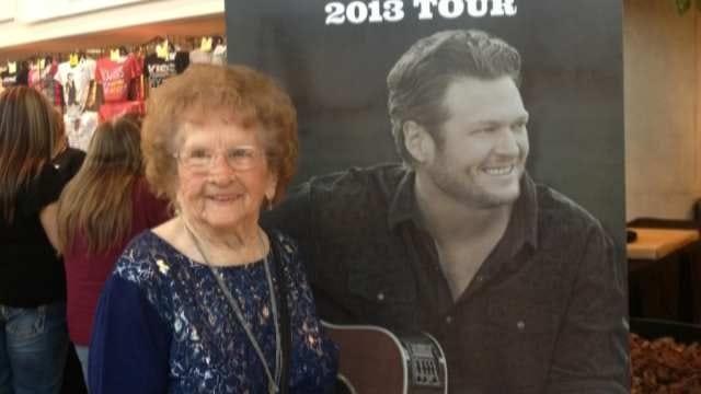 Shawnee Woman Celebrates 99th Birthday With Blake Shelton