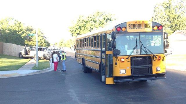 Police: No Students Injured In Tulsa Union School Bus, SUV Crash