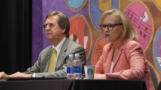 Tulsa Mayoral Candidates Court Youth Vote In High School Forum