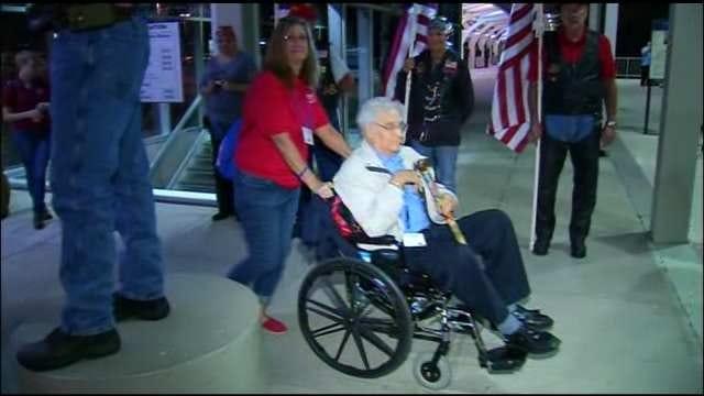 Oklahoma Veterans Take Honor Flight To Visit Memorials In Washington