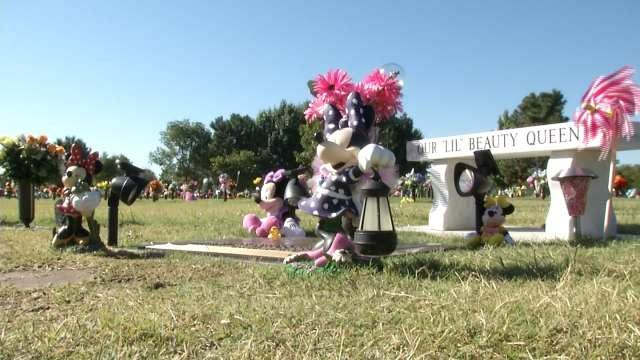 Couple Collecting Signatures To Impanel Grand Jury In Daughter's Drowning