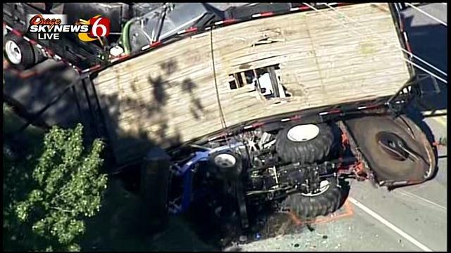 Tulsa Fire Captain, Suspect Injured In Multi-Vehicle Crash