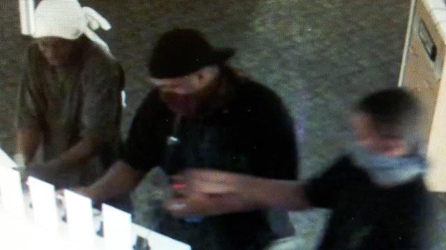 Cameras Record Four Men Burglarizing Tulsa Business