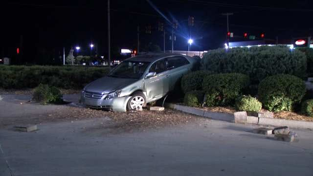Driver Arrested On DUI Complaint After South Tulsa Crash