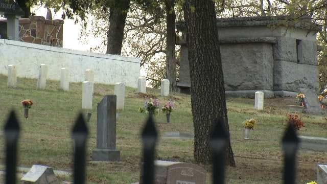 Sand Springs Funeral Home Offers 'Green Burials'