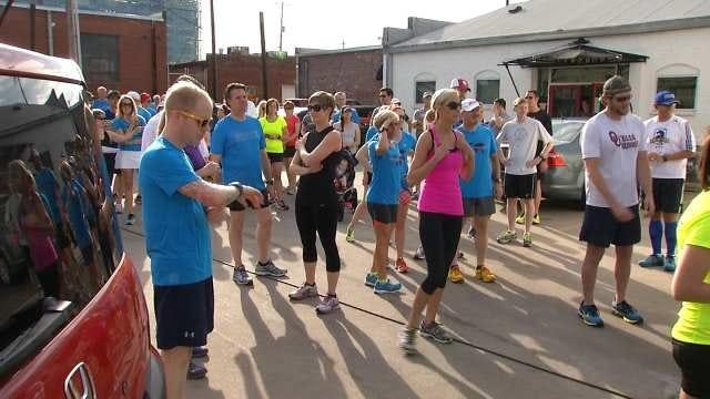 Tulsa Runners Show Support In Boston Tribute Run