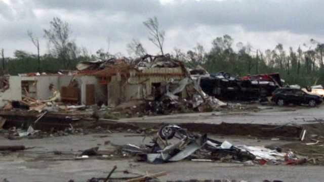 Tornadoes Kill 14 In Central Arkansas