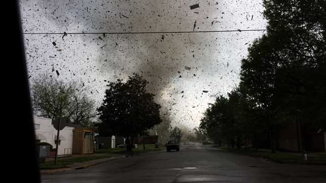 Woman Snaps Dramatic Photo Of Baxter Springs Tornado