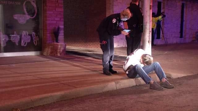 Police: Men Use Pick Axe To Break Into Tulsa Jewelry Store