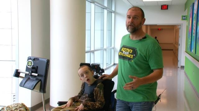 10-Year-Old Entrepreneur Visits Tulsa Children's Hospital