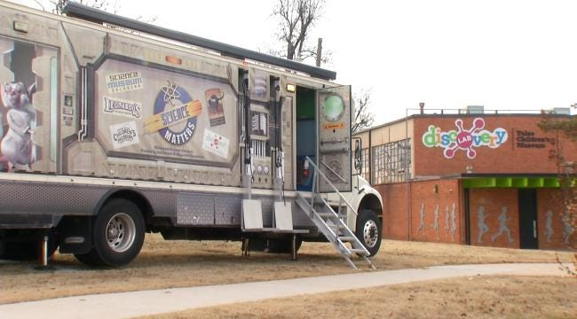 Tulsa Kids Get Hands-On With Science Matters Mobile Museum