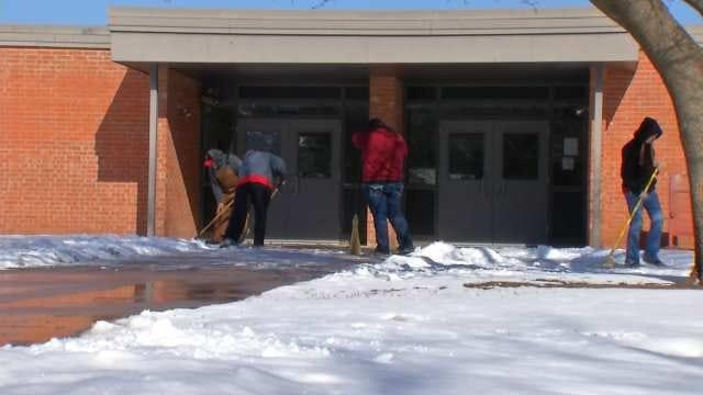 Oklahomans Ready For Warmer Temperatures, No Snow