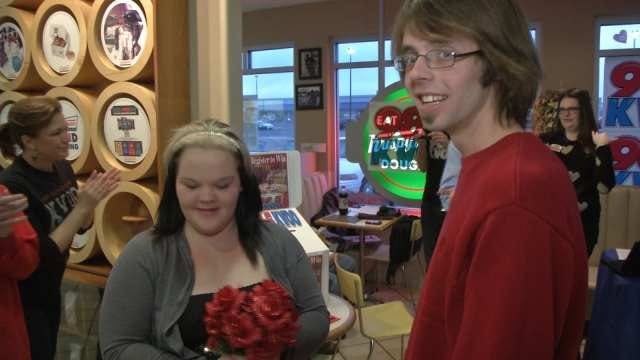 Tulsa Couples Say 'I Do' At Krispy Kreme