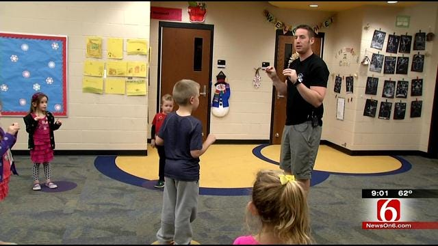 Cherokee Nation Marshal Service Teaches Kids How To Fight Against Abduction
