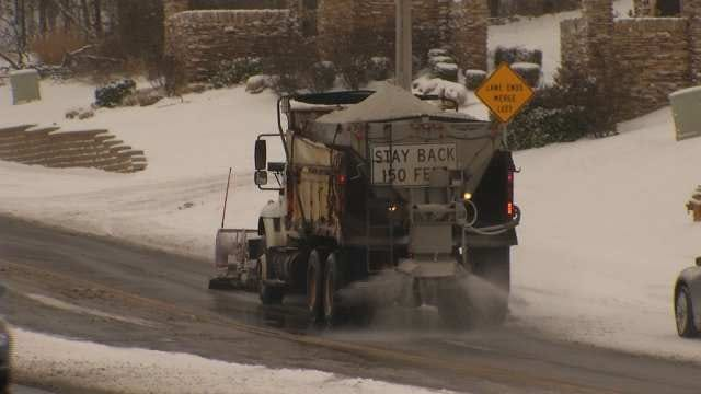Tulsa Road Crews Busy Treating Streets After Snow; Schools Close