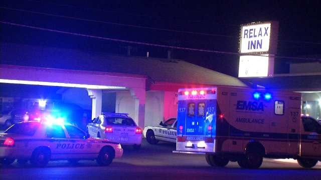 Police Look For Two Men After A Shooting At Tulsa Motel