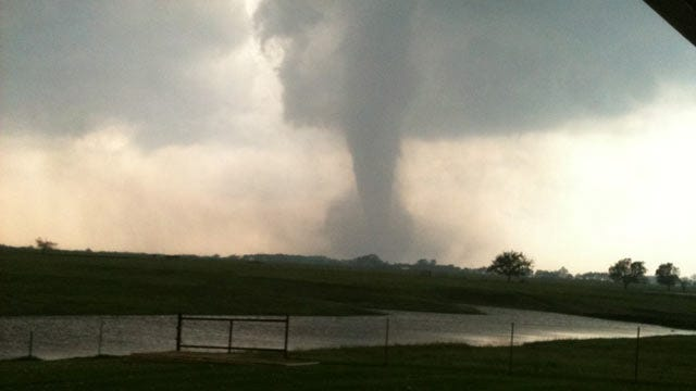 Physicist: Giant Wall Could Protect Oklahoma From Tornadoes