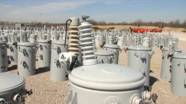 Oklahoma Power Crews Stay Prepared For Possibilities
