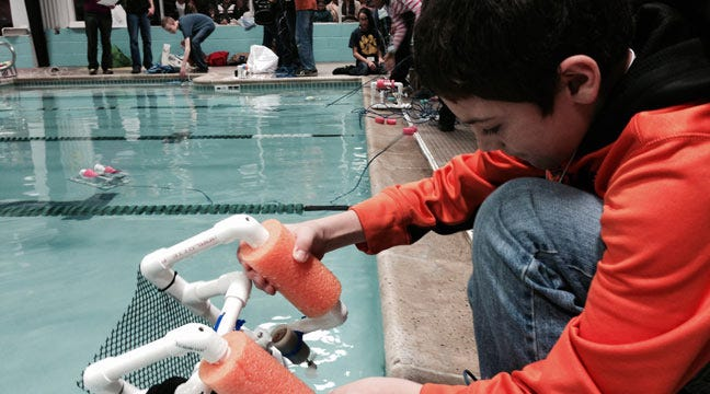 Tulsa-Area Students Compete With Underwater Robots