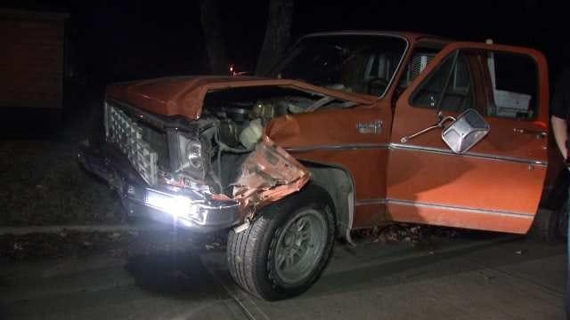 Police: Suspected DUI Driver Hits Tulsa Power Pole