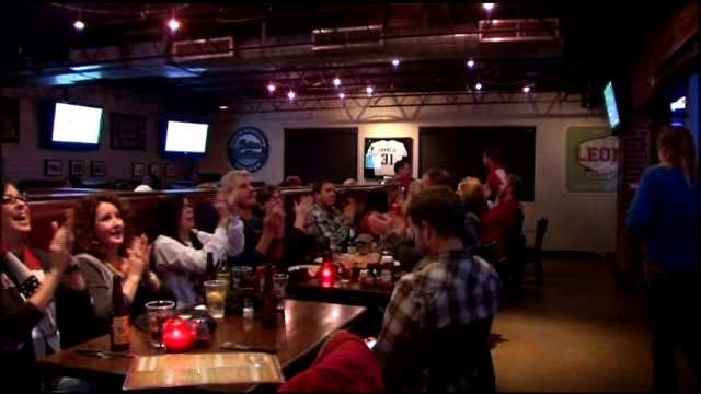 Sooner Fans Gather To Cheer On OU Against Alabama In Sugar Bowl