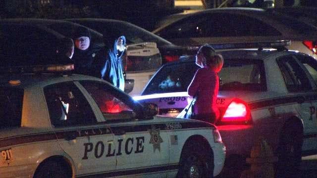 Tulsa Police: Man Tasered For Threatening Girlfriend, Officers With Machete