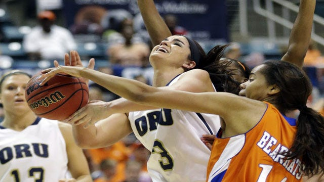 Oral Roberts Women Fall On The Road Once Again