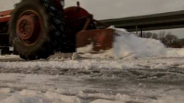 Crews Clear 5 Inches Of Snow In Bartlesville In Bone-Chilling Temps