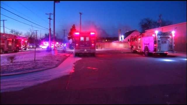 Tulsa Police Officers Save Apartment Residents From Fire