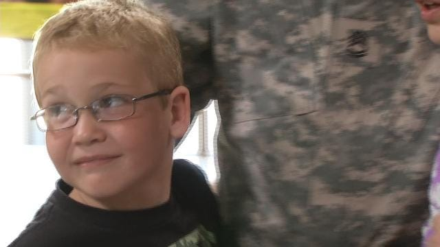 Oklahoma Soldier Reunites With Family In Time For Father's Day