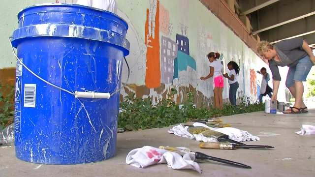 Organization Takes Inspiration From Garden For Downtown Tulsa Mural