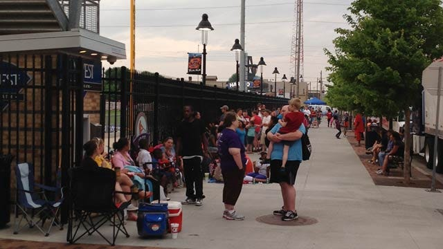 Thousands Attend Guts Church's 'Day Of Giving' At Tulsa's ONEOK Field