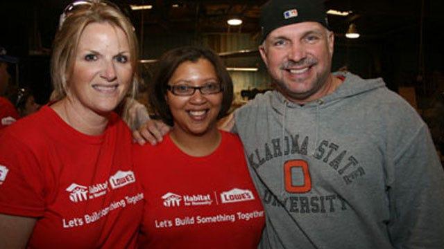 Oklahoma's Garth Brooks, Trisha Yearwood Moving Back To Nashville, Report Says