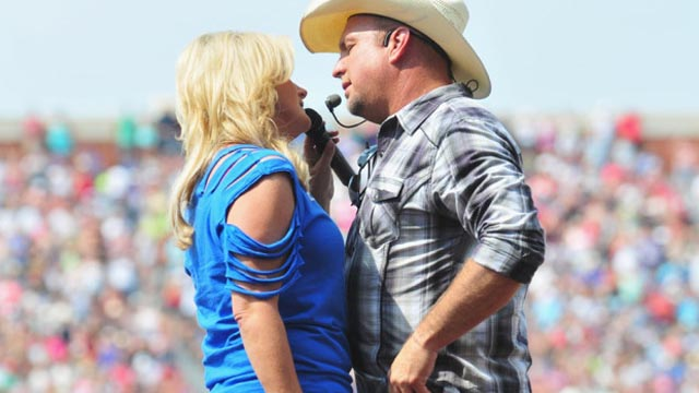Owasso Buzzing With Report Of Garth Brooks And Trisha Yearwood Moving