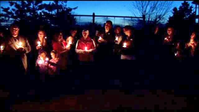 Jenks Community Comes Together, Holds Vigil For Murder-Suicide Victims