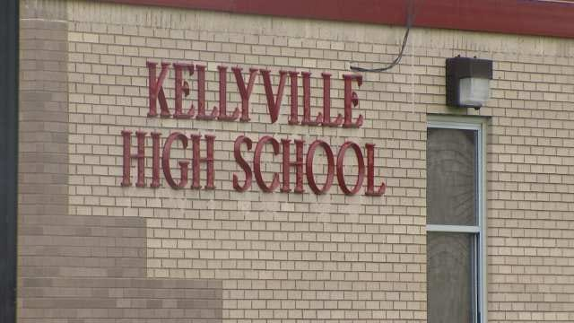 Kellyville High School Teacher Arrested For Sex With Student