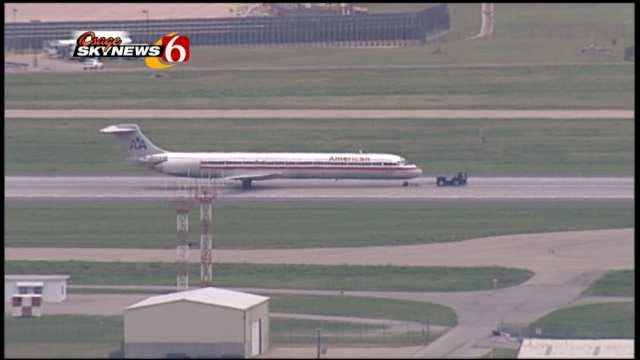 Passengers Credit Pilot For Safe Landing At Tulsa International Airport