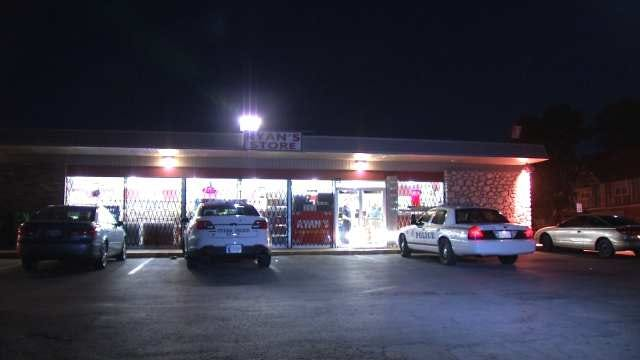 Men Use Shotgun To Rob Tulsa Convenience Store
