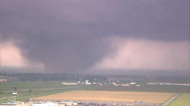 Researcher Uses Past Oklahoma Tornado Data To Predict Future Patterns