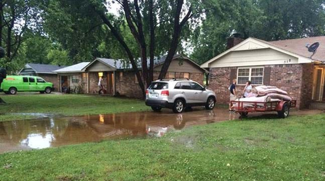 Heavy Rains Flood Homes, Streets In Fort Gibson, Broken Arrow