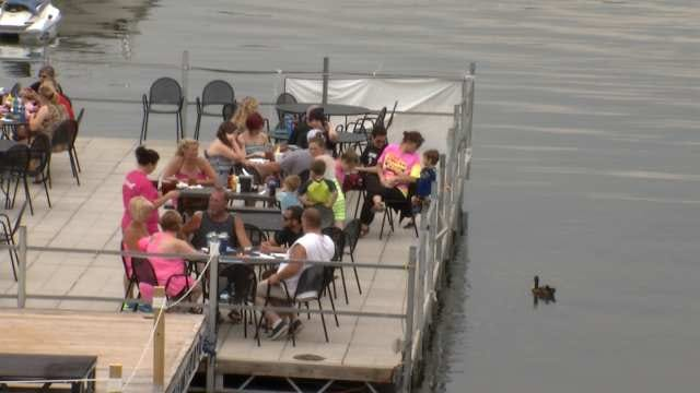 Safety In Mind, Oklahoma Lake Goers Enjoy Rainy Memorial Day