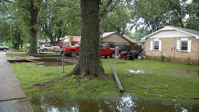 Fort Gibson Flood Victims Speak Mind, Ask For Answers At Meeting