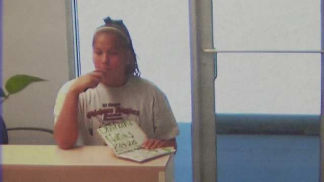 Woman Scamming Glenpool Businesses For Fake Softball League, Police Say
