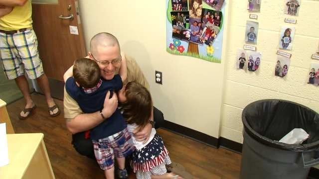 Returning Sailor Surprises Kids At Broken Arrow School