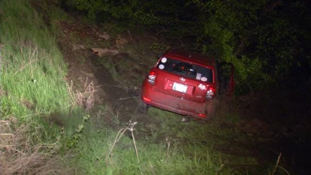 Teenager Ends Up In Ditch After DUI Crash, Tulsa Police Say